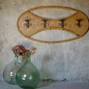 Porte manteaux ou patères vintage en bambou avec 4 patères métal peint.