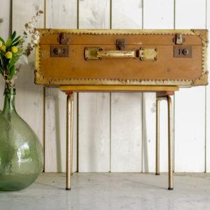 Très belle et grande valise rétro au charme fou des années 50