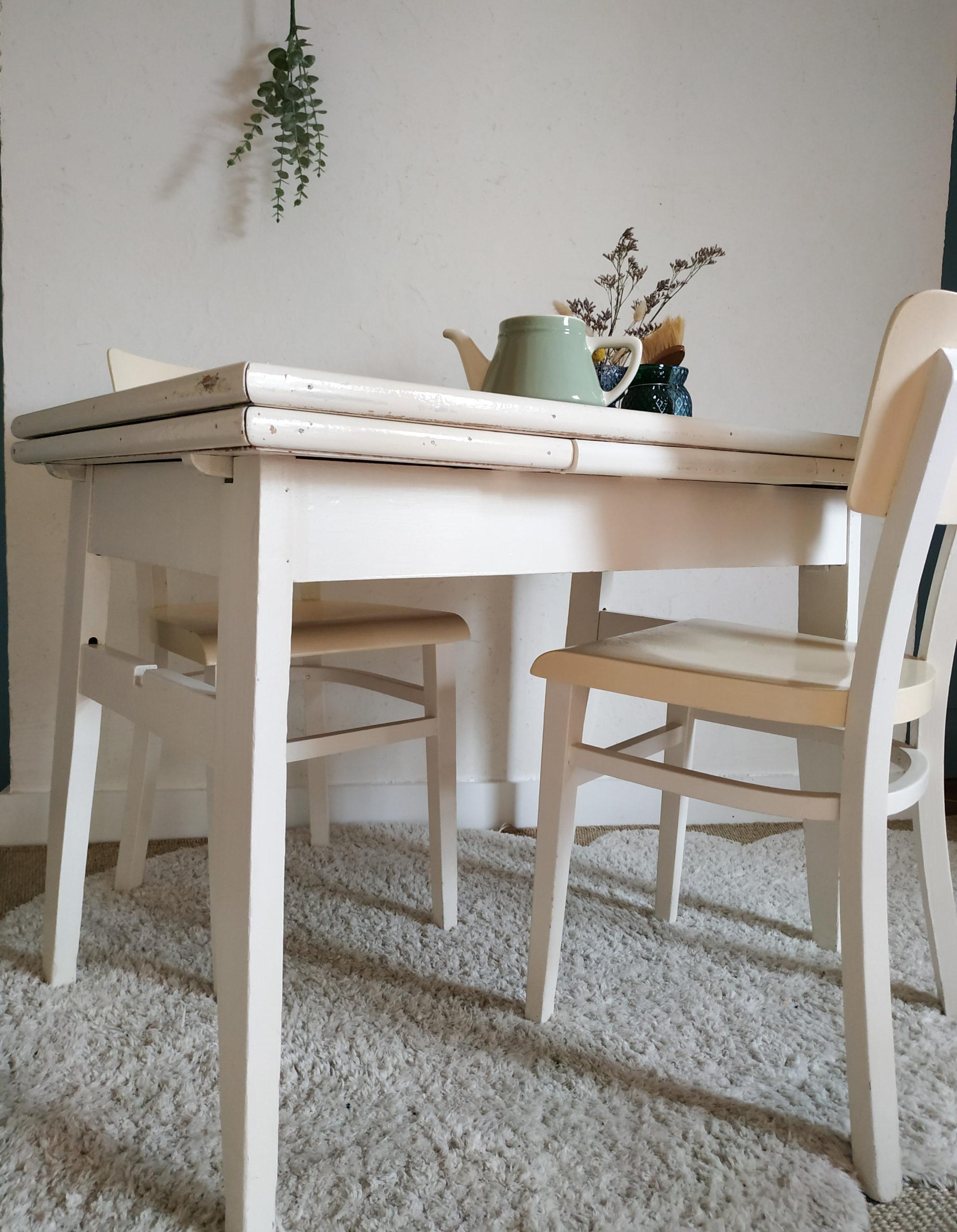 Table de ferme avec rallonges et chaises Thonet   Factory Vintage