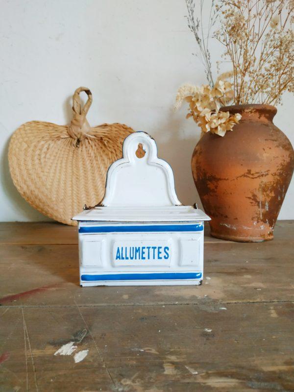 Boîte allumettes en tôle émaillée blanche et bleue