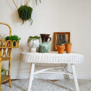 Cette table basse en rotin et bois ancienne insufflera beaucoup de fraîcheur dans un intérieur.