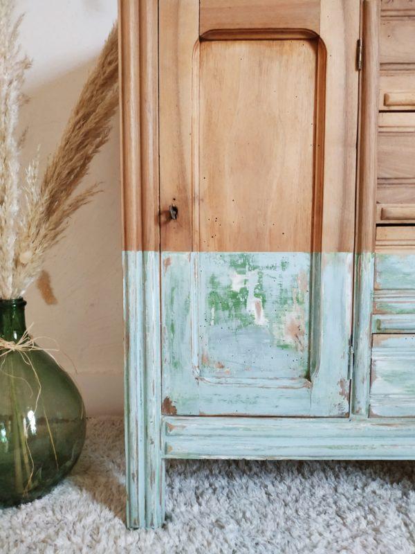 Dans l'entrée d'une maison ou dans la pièce de vie ce semainier ancien rénové ne manquera pas de nous ébahir.