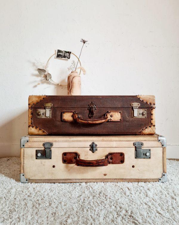 Très belle valise rétro au charme fou.