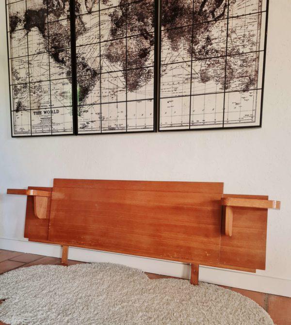 Cette tête de lit vintage sera parfaite pour meubler une jolie chambre au design soigné.