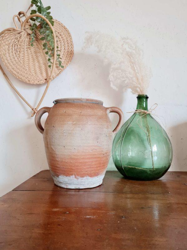 Très belle jarre en grès très ancienne de fabrication artisanale.