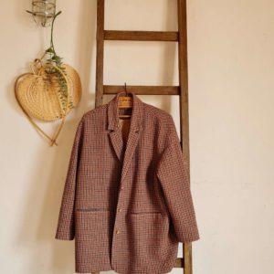 De cette échelle de ferme ancienne émane un look rustique comme on les aime.