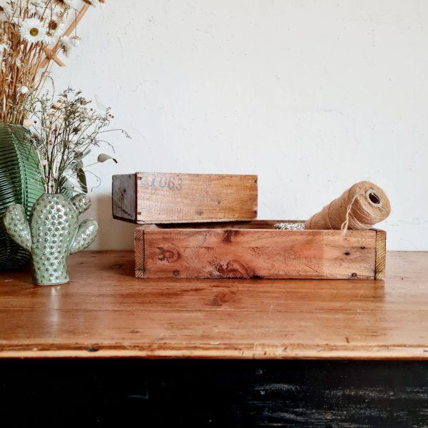 Cette boîte d'atelier vintage sera idéale pour ranger du matériel de papeterie, de la mercerie, des petits trésors pour grands ou petits.