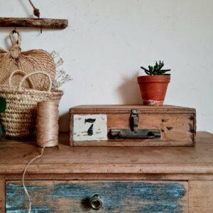 Coffre d'atelier en bois vintage